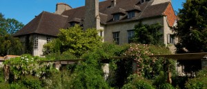 France Bois-des-Moutiers,-House-from-Garden